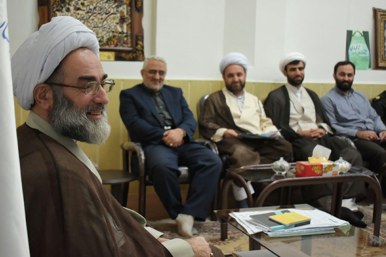عرصه برای حضور جوانان در مساجد گیلان فراهم شود