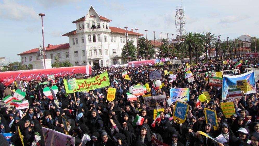گزارش تصویری/ حضور پرشور مردم رشت در راهپیمایی ۱۳ آبان