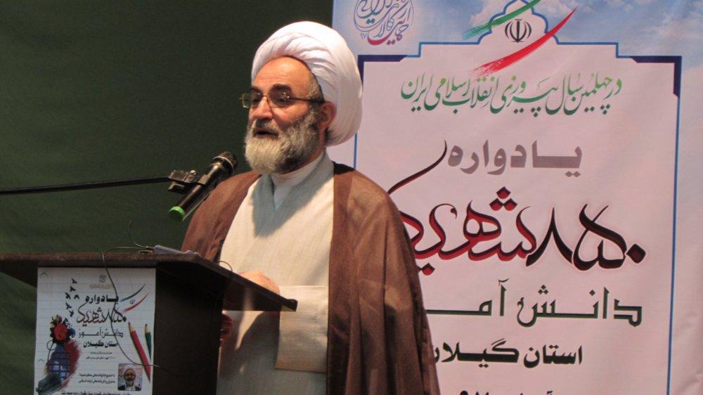 دشمن هیچ گاه جنگ نظامی علیه ایران را حتی در خیال خود نیز نمیگنجاند/ هزاران جوان بصیر مانند شهید فهمیده در کشور داریم