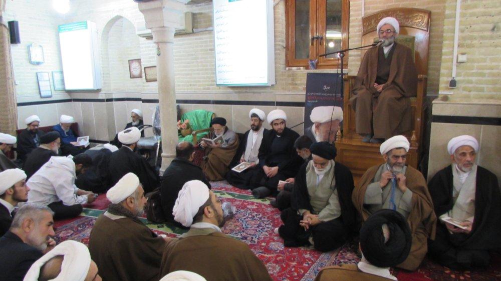 آیت الله انصاری شیرازی حامی ارزش های انقلاب اسلامی بود/ تواضع، رفتار ، گفتار و تدریس ایشان زبان زد عام و خاص بود