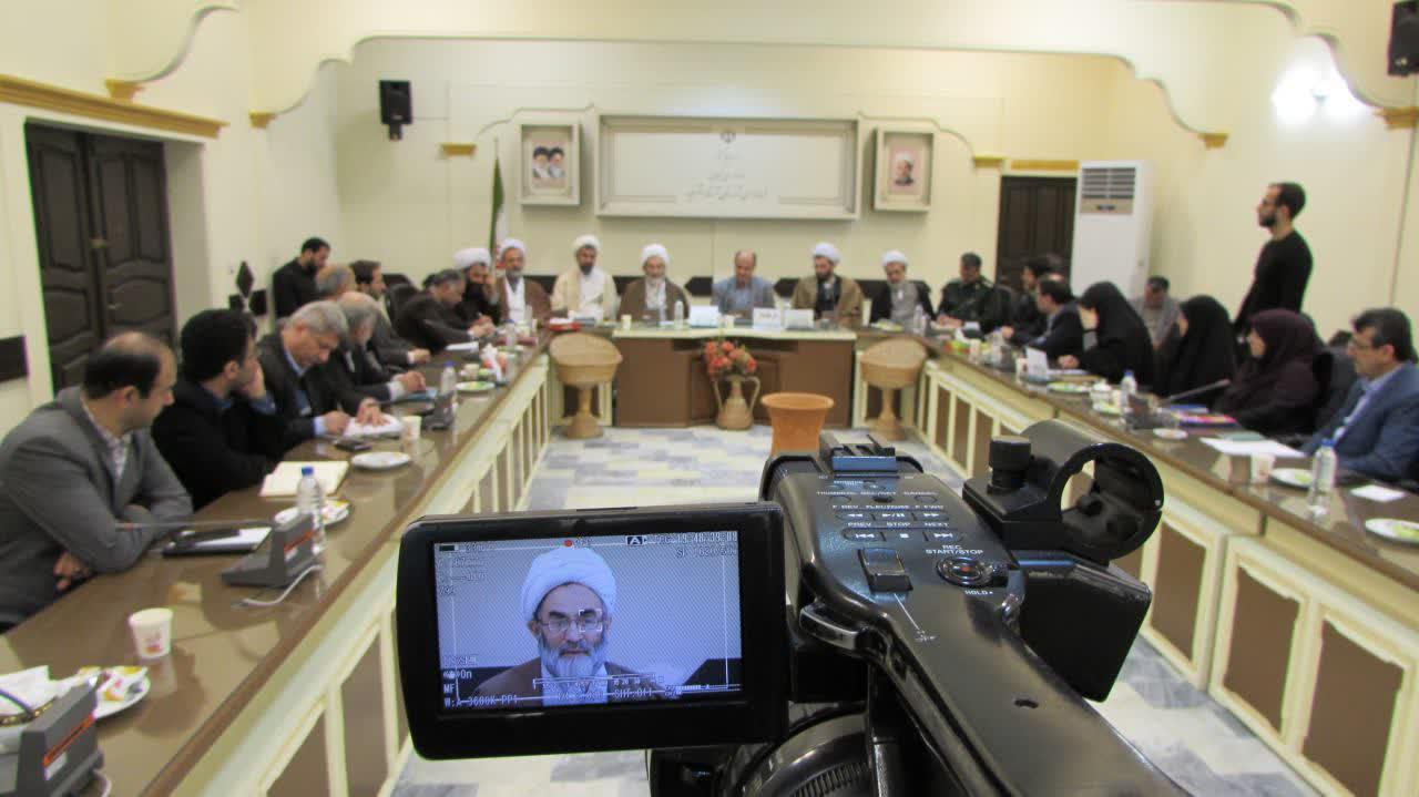 مسئولان در برنامه ریزی ها مردم را مشارکت دهند/ پل آستانه اشرفیه در شان مردم این شهر نیست