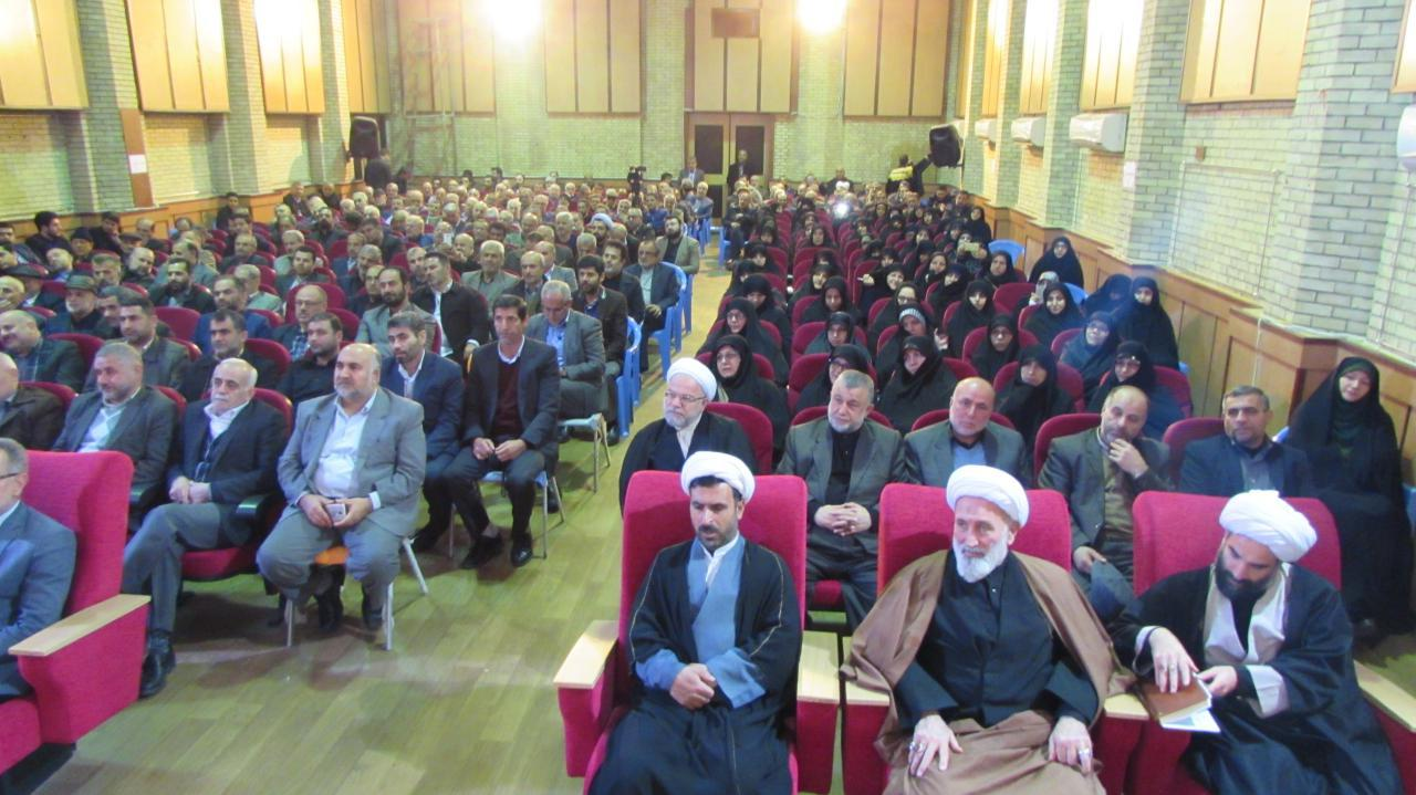 انقلاب اسلامی دیگر تهدید نظامی ندارد/ مجاهدان دفاع مقدس اسطوره نسل امروزند/ آنها که به دنبال دست دراز کردن به شرق و غرب هستند احکام دین را نمی فهمند
