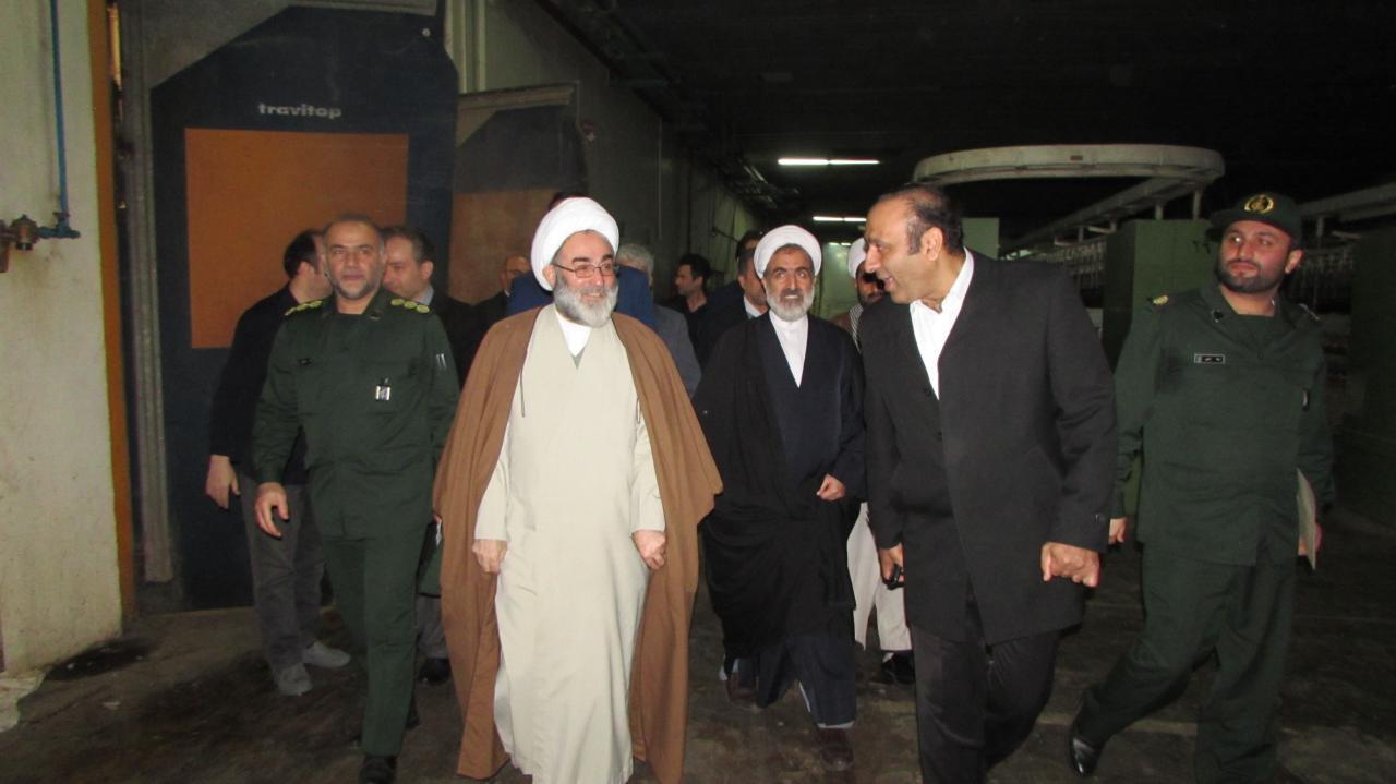 بازدید آیت الله فلاحتی از کارخانه ایران پوپلین + تصاویر