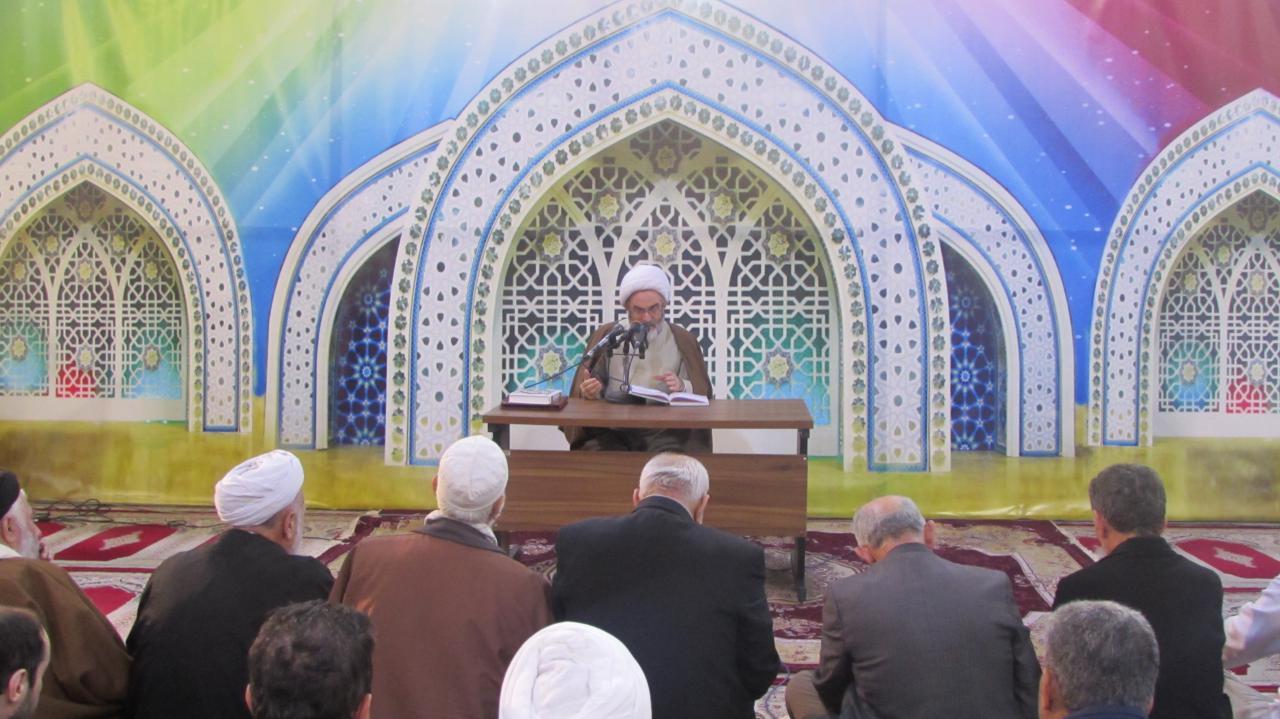 شناخت خداوند سبب اتکای انسان به قدرت لایزال الهی میشود/ هدایت انسان به طرف خداشناسی از اهداف قرآن است
