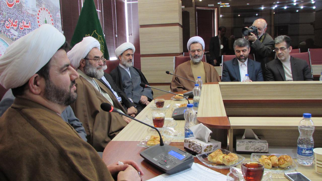 پایه های انقلاب بر معنویت تشکیل شده است/ دشمن در مصادره انقلاب اسلامی شکست خورد/ هر گروهی بخواهد در مقابل انقلاب قرار گیرد باید روز قیامت پاسخ دهد