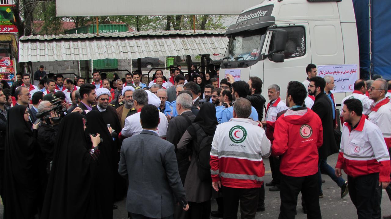 کاروان کمک های مردمی گیلان با حضور آیت الله فلاحتی برای سیل زدگان کشور ارسال شد
