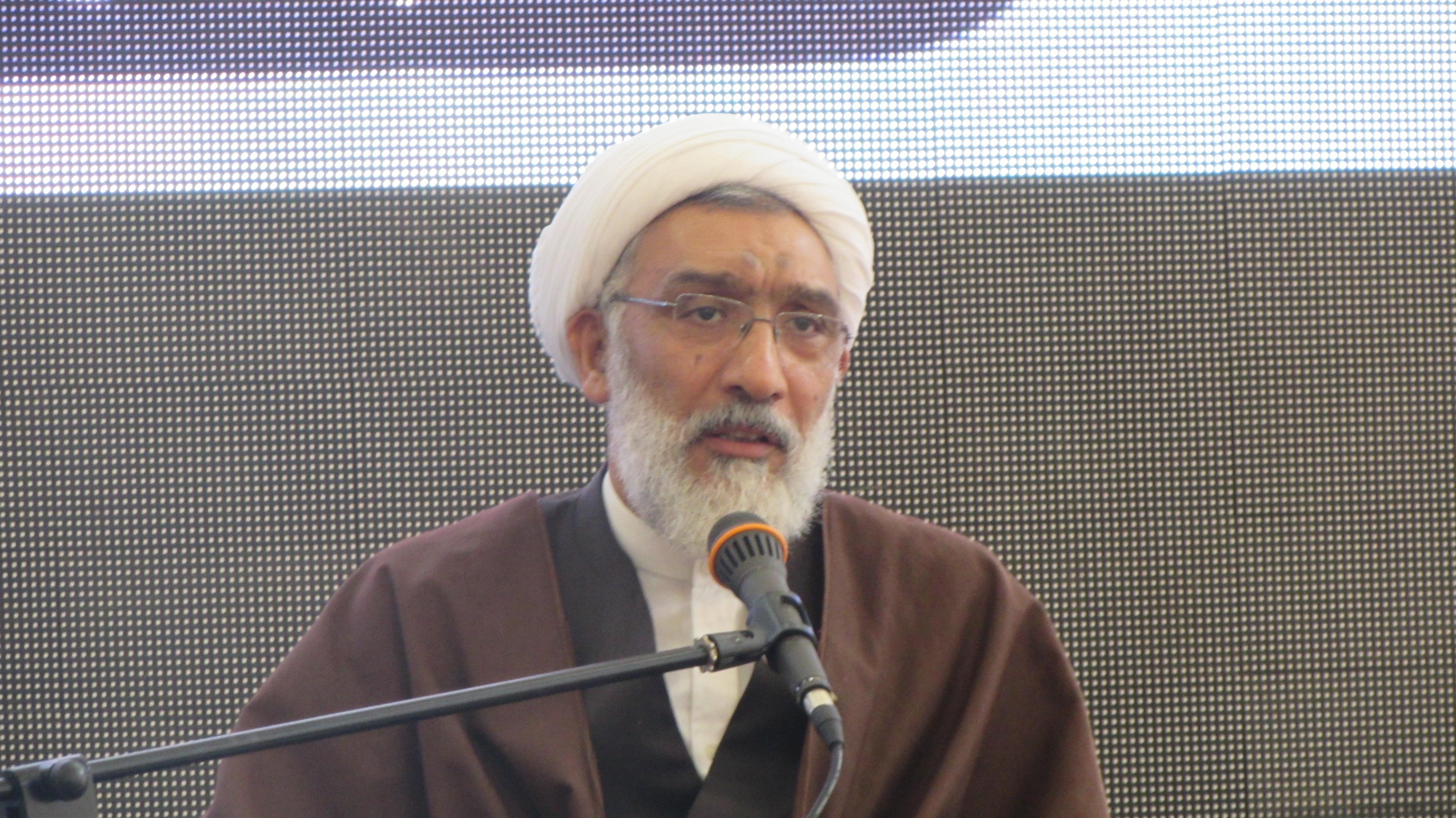 انقلاب اسلامی قلوب بسیاری از ملت ها را تسخیر کرد/ امید به آینده کلید اساسی پیام گام دوم انقلاب است/ انسجام اجتماعی مردم را در شرایط سخت قوی می کند