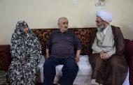دیدار نماینده ولی فقیه در گیلان با خانواده های معظم 3 و 2 شهید در بندر انزلی+ گزارش تصویری