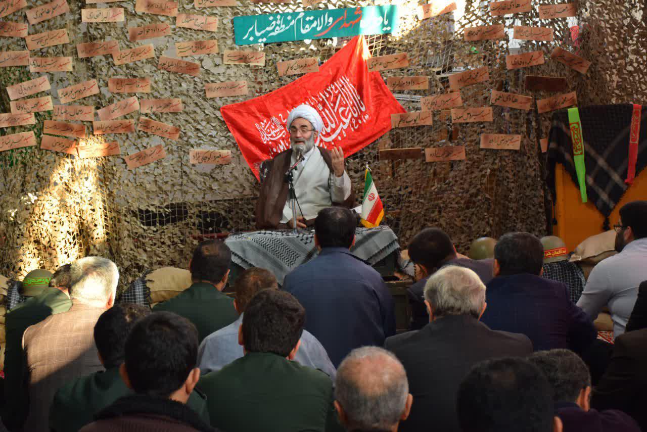 ایرانی ها بصیرترین مردم دنیا هستند/ ضرورت ایجاد نماد شهدا در جامعه/ تاریخ، آماده انتقال پایمردی شهدای انقلاب اسلامی به آیندگان است