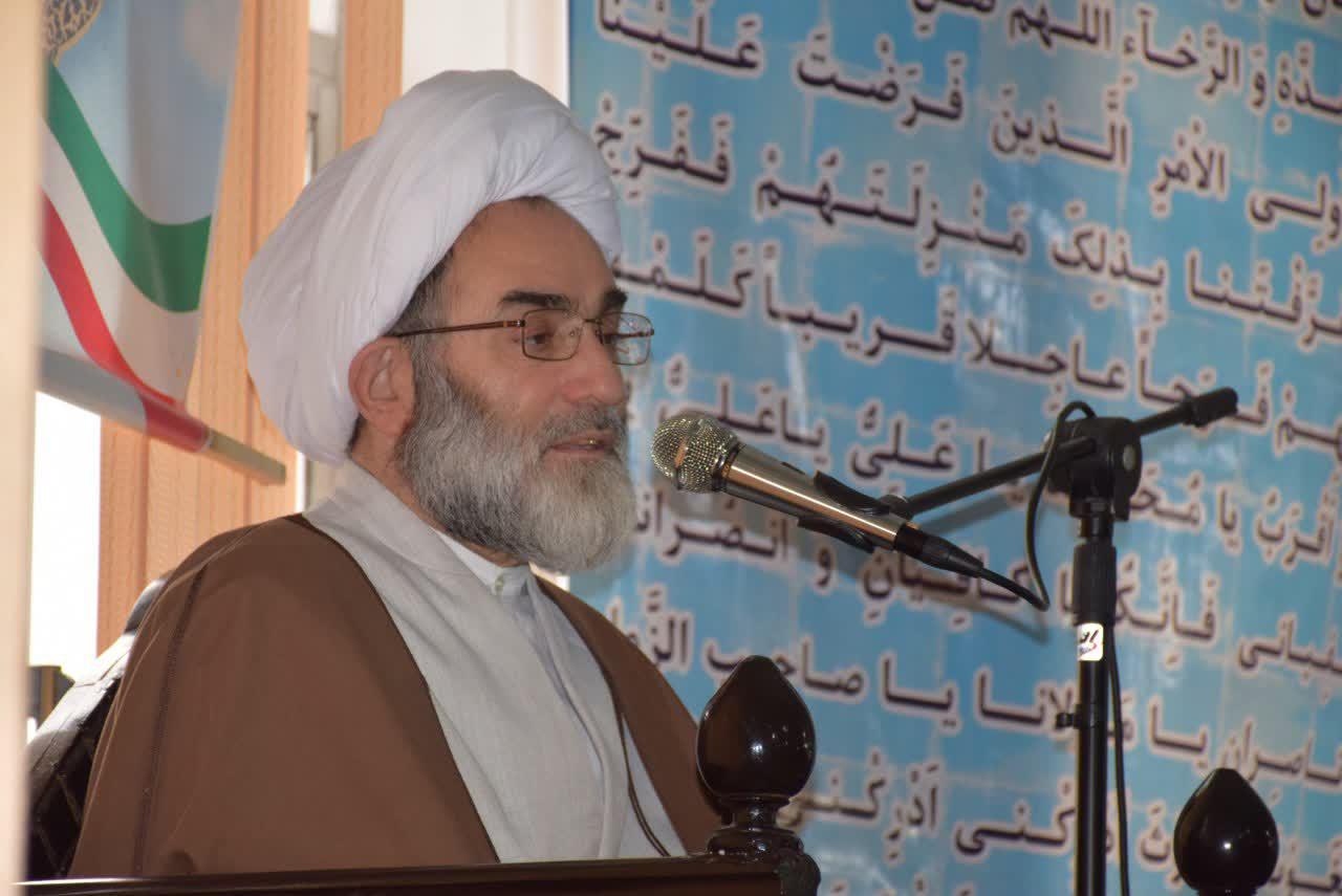 عزت ملت ایران برگرفته از جانفشانی شهداست/ فتنه گرانی که می خواهند رنج و سختی را به ملت ایران تحمیل کنند بدانند برای آنها سیاه بختی می ماند