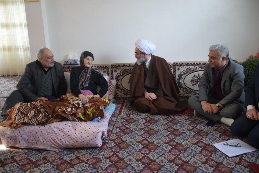دیدار آیت الله فلاحتی با مادران مکرمه شهدا در صومعه سرا و حضور در منازل چهار خانواده شهید+ گزارش تصویری