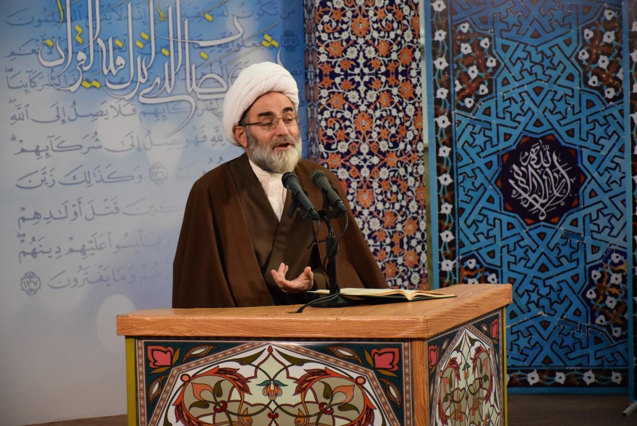 جامعه اسلامی پوشش ناهنجار را نمی پسندد/ آدم هایی که به تفاخر دل خوش می کنند نزد اهل معرفت هیچ ارزشی ندارند