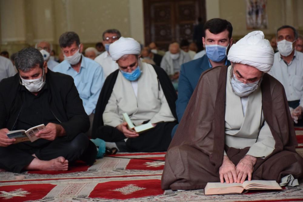 مراسم دعای پرفیض عرفه در مصلی رشت با حضور نماینده ولی فقیه در گیلان برگزار شد + تصاویر