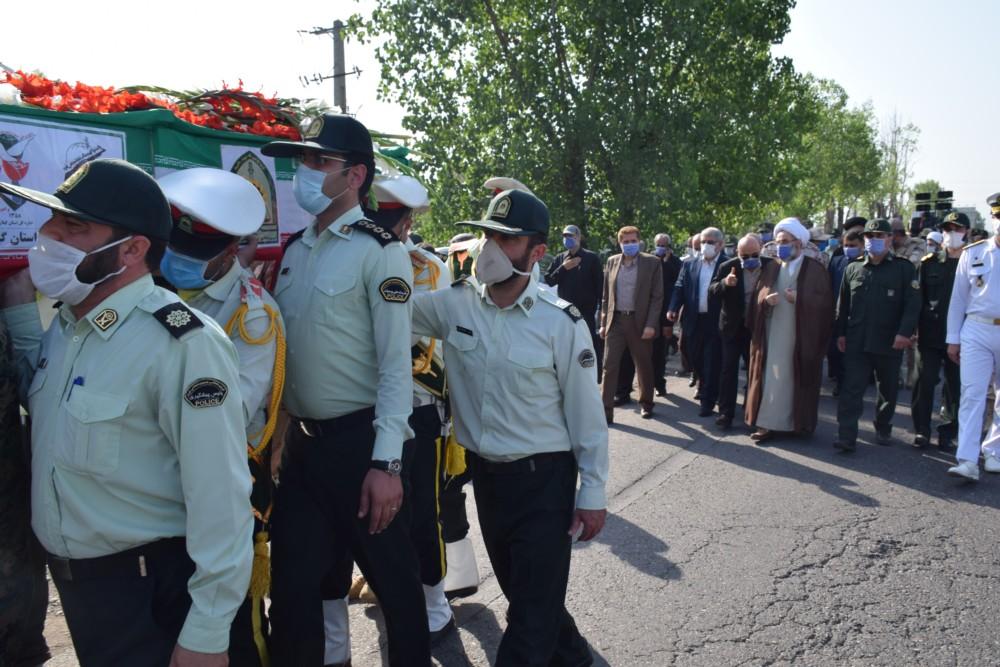"""تشییع مرزبان شهید """"افشین آشناور"""" در ستاد فرماندهی انتظامی گیلان + گزارش تصویری"""