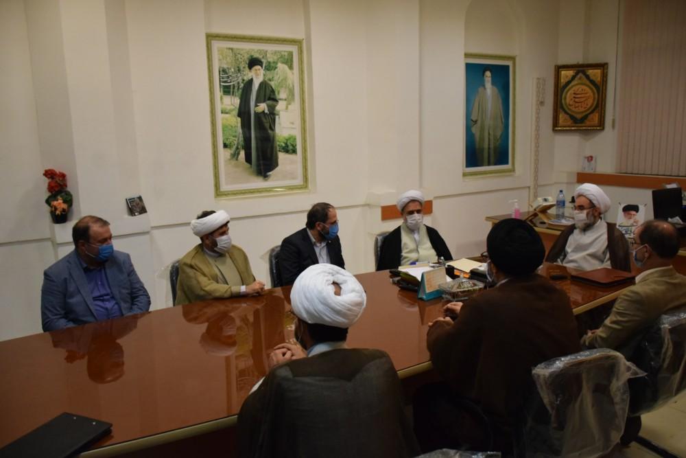 دانشجویان صاحب ایده را در دانشگاه آزاد اسلامی بپرورانید/ ضرورت غلبه ارزش ها بر تمام امور در دانشگاه/ کلمه