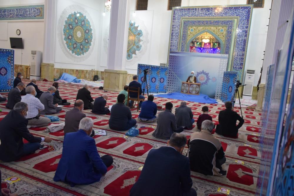 حریم خدا و اهل بیت(ع) را در ماه رمضان نگه دارید/ پیامبران و ائمه اطهار(ع) مانند مردم عادی زندگی می کردند