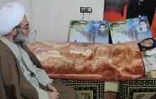 عیادت آیت الله فلاحتی از 2 خانواده شهید در لاهیجان + تصاویر