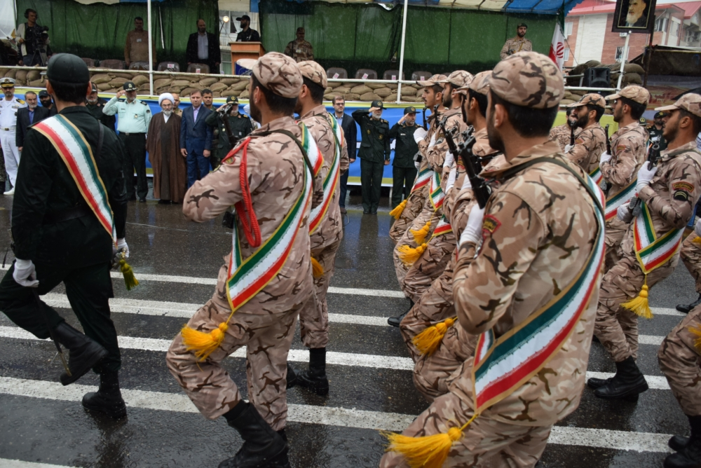 رژه نیروهای مسلح مستقر در گیلان با حضور آیت الله فلاحتی + گزارش تصویری