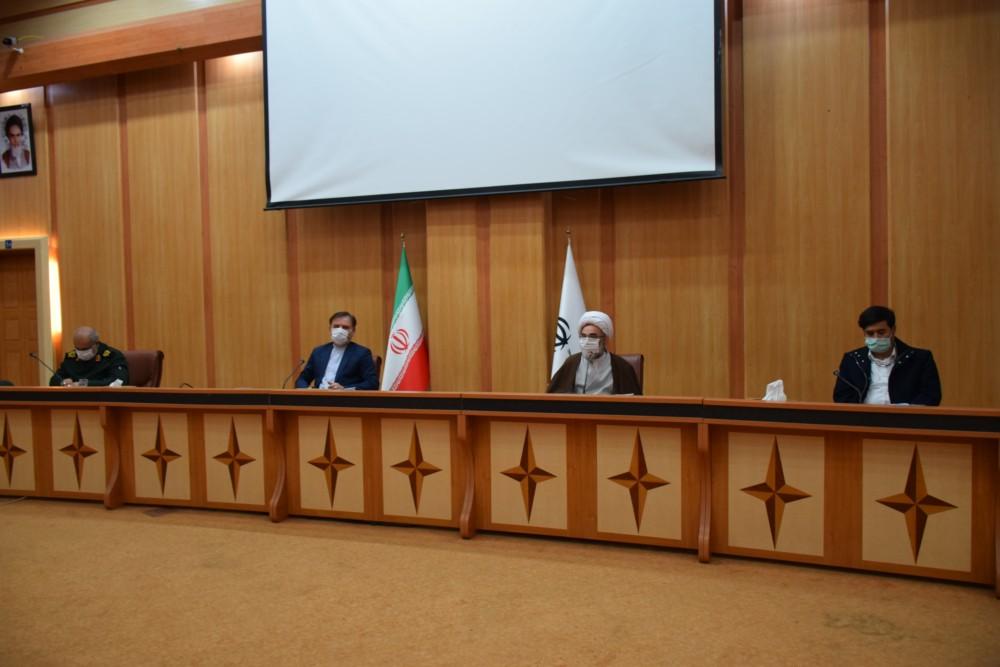 نشست ۴ ساعته مجمع نمایندگان و استاندار با نماینده مقام معظم رهبری در گیلان
