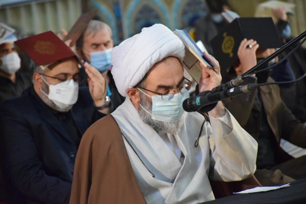 احیای شب بیست و سوم ماه رمضان با حضور نماینده ولی فقیه در گیلان+ تصاویر